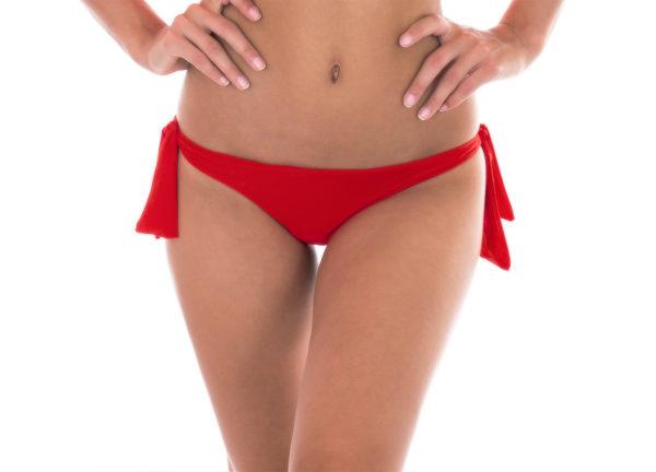Orangerote Bikinihose mit Seitenschnüren - Calcinha Urucum Babado