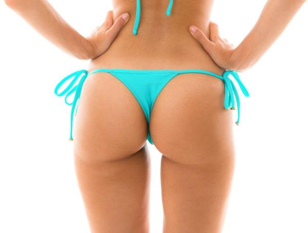 Bikini Micro String cyanblau mit Accessoires