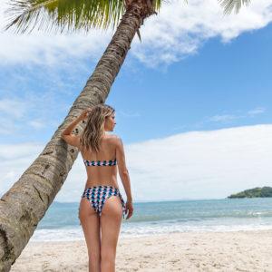 Brasilianischer sexy Bikini bunt kariert