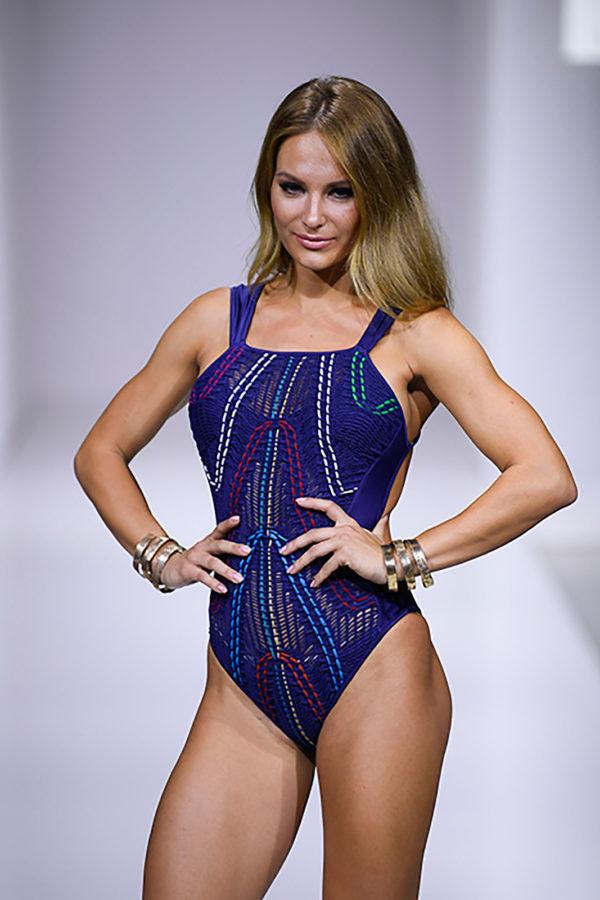 Sportlicher Luxus Badeanzug mit bunter Stickerei - Despi 2019